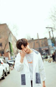 LI HONG YI ~(•З•)-♡