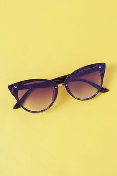 Gradient Tinted Cateye Sunglasses