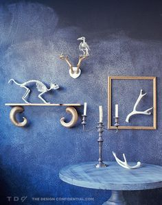 DIY Ram's Horn Shelf and Skeleton Taxidermy Display // Easy Halloween Decor Project | The Design Confidential #halloween #diy