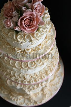 Royal icing wedding cake with gumpaste roses (by ayse's cakes in new jersey, new york) Beautiful Wedding Cakes, Gorgeous Cakes, Pretty Cakes, Amazing Cakes, Wedding Cakes With Cupcakes, Cupcake Cakes, Wedding Cookies, Cake Original, Royal Icing Cakes