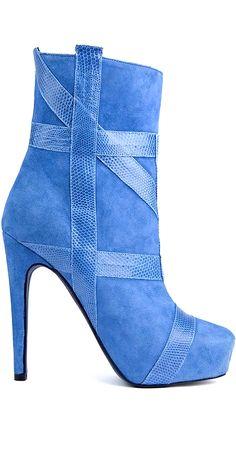 Aperlai...LOVE this shade of blue! <3