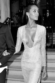 Jourdan Dunn looked gorgeous and classy in this sexy low cut dress.