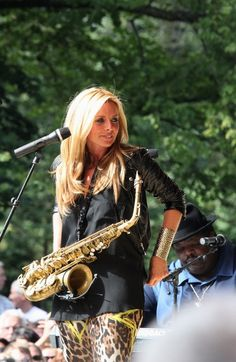 I love Candy Dulfer! One of the best sax players out there!