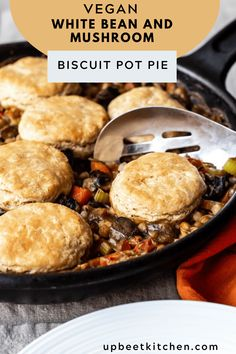 Vegan Biscuit Pot Pie with White Beans and Mushrooms Spelt Biscuits, Vegan Biscuits, Vegan Pot Pies, Vegan Meals, Vegan Food, Food Food, Healthy Food, Biscuit Pot Pie, Organic Butter
