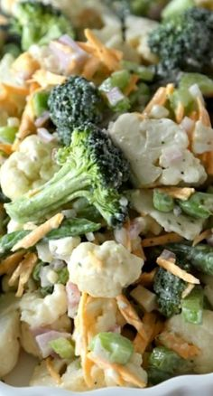 Fresh Spring Broccoli Salad ~ This homemade version of a store bought deli classic will have you asking for more! Perfect for lunches, or summer picnics, give this healthy version a try today! (Chicken Marinade For Salad) Healthy Salads, Healthy Eating, Healthy Recipes, Fruit Salads, Easy Salad Recipes, Good Food, Yummy Food, Summer Salads, Spring Salad