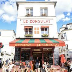 Le Consulat Cafe in Montmartre, Paris