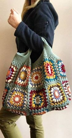 Lovely And Sweet Crochet Bags Pattern Ideas Bags Handtaschen Lo. Lovely And Sweet Crochet Bags Pattern Ideas Bags Handtaschen Lovely And Sweet Croc Crochet Tote, Crochet Handbags, Crochet Purses, Crochet Granny, Knit Crochet, Crochet Cushions, Crochet Pillow, Blanket Crochet, Bag Pattern Free