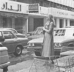 Dalida in the image of the sixties, in front of Piccadilly Theater in Hamra Street - Beirut