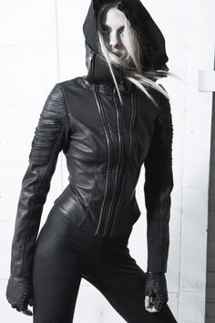 dark fashion | woman in black