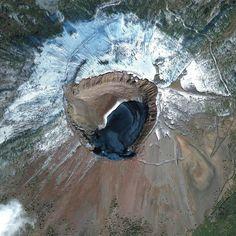Holiday calendar: Staring down into Mount Vesuvius (Photo: DigitalGlobe)