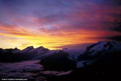 Google Image Result for http://www.ski-zermatt.com/mattnet/features/matterhorn_climb/images/Magic%20Monte%20Rosa%20sunrise.jpg