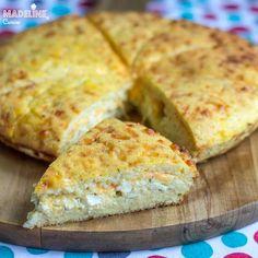 Placinta keto cu branza / Keto savory cheese pie - Madeline.ro Cheese Pies, Mai, Cheddar, Bread, Food, Cheddar Cheese, Cheesecakes, Brot, Essen