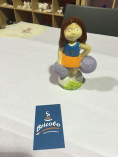 Cheerleader at Bricolo cafe ceramique