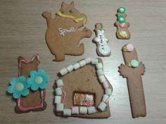 Olli 5v innostui koristelusta ihan tosissaan, tästä on hyvä jatkaa. - by Olli 5v -- Piparkakku, Joulu, Gingerbread, Christmas