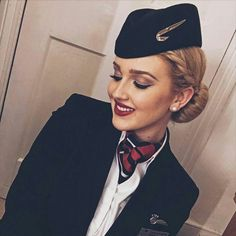 crewLIFEcrewSTYLE Hi from our friends at Airline - British Airways Credit - Reposter - Adam Tag your crew uniform shots with for a REPOST by cabincrewthreads British Airways Cabin Crew, Flight Attendant Humor, Pilot Uniform, Airline Uniforms, Aviation World, Intelligent Women, Business Chic, Girls Uniforms, Photography Women