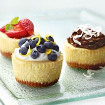 Philadelphia Mini Cheesecakes are a deliciously simple dessert to serve at your next celebration. Jam-Topped Mini Cheesecakes santoso santoso sanartbali Food Dessert Philadelphia Mini Cheesecakes are a deliciously simple dessert to serve at your ne Mini Desserts, Mini Cheesecake Recipes, Brownie Desserts, Just Desserts, Delicious Desserts, Dessert Recipes, Yummy Food, Cheesecake Bites, Chocolate Cheesecake