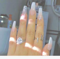Semi-permanent varnish, false nails, patches: which manicure to choose? - My Nails Glam Nails, Glitter Nails, Aycrlic Nails, Cute Acrylic Nail Designs, Best Acrylic Nails, Coffin Nails Long, Long Nails, Gorgeous Nails, Pretty Nails