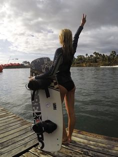Wakeboard Boats Accessories Ideas For 2019 Kitesurfing, Wakeboarding Girl, Boat Accessories, Clothing Accessories, Wakeboard Boats, Sup Surf, Cute Posts, Big Challenge, Water Photography