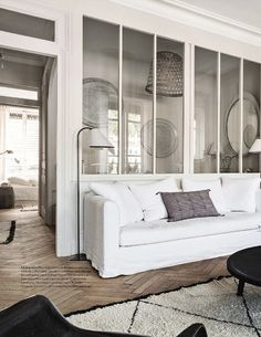 Black and white Parisian apartment for new room – possible window style, but one seam inbetween panal on one window length) – my problem is i will have inbetween windows Interior Windows, Apartment Interior Design, Interior Decorating, Living Room Tv, Home And Living, Elle Decor, Home Deco, French Apartment, Apartment Living