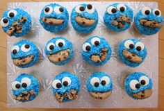 cookie monster cupcakes - adorable!!
