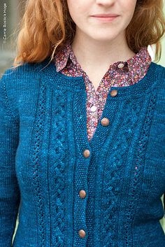Ravelry: Tenaya pattern by Elizabeth Doherty (Fun! This new pattern has the same name as a fingerless mitt pattern I designed years ago.)