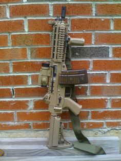 Tactical Sig 552 commando desert tan