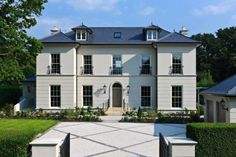 Modern Georgian Style Homes - Home Decorating Trends - Homedit Modern Georgian, Georgian Style Homes, Georgian Era, Georgian Architecture, Classical Architecture, Georgian Buildings, Architecture Design, Style At Home, Building Contractors