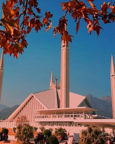 Faisal Mosque, Islamabad. Pakistan. Pakistan Tourism, Pak Army Soldiers, Islamabad Pakistan, Pakistani Girl, Mosques, Capital City, Evergreen, Road Trip, Around The Worlds