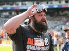Joba Chamberlain celebrates with the fans, New York Yankees Baseball, Tigers Baseball, Joba Chamberlain, Tiger Team, Beard Haircut, Better Baseball, Team Photos, Detroit Tigers, Hot Guys