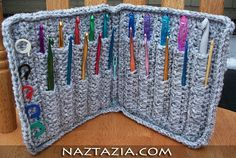 DIY Learn How to Crochet Hook Case Holder Folder Wallet - Storage for Hooks. Donna Wolfe from Naztazia . shows you how to make a crochet hook case holder using a wonderful written pattern by Mrs. Priscilla Hewitt from Priscillas Crochet at: . Crochet Case, Crochet Diy, Love Crochet, Crochet Gifts, Learn To Crochet, Crochet Stitches, Crochet Hooks, Crochet Granny, Crochet Organizer
