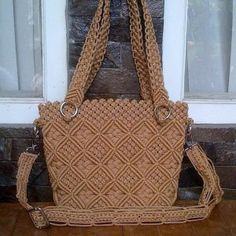 Macrame: ideas from around the world … Macrame Purse, Macrame Owl, Micro Macrame, Macrame Bracelets, Macrame Chairs, Macrame Curtain, Macrame Tutorial, Macrame Design, Macrame Projects