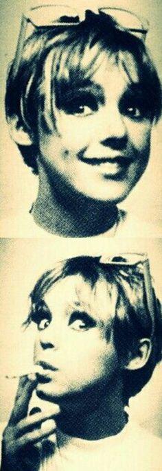 Edie Sedgwick . Andy Warhol Pop Art Underground Film Superstar Edie Sedgwick Photobooth Photomaton Photo Photos, ca. 1966    EDIE STYLE on FB: https://www.facebook.com/EDIE-STYLE-1669652626620382/
