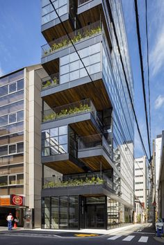 Completed in 2017 in Chiyoda, Japan. Images by Shigeo Ogawa. Located in a central Tokyo neighborhood with many low and mid-rise office buildings, this rental building for restaurants stands on a long, narrow...