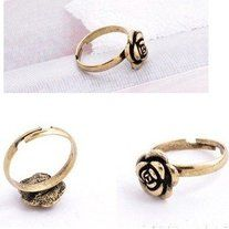 Antique-style rose/flower ring. #ring #vintage #antiquestyle #style #charmsandstyle  Metal Color: Antique Gold Plated Size: Adjustable size