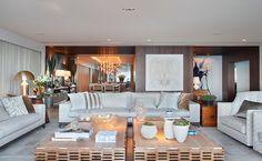 rio de janeiro | projeto: bezamat arquitetura | resultado da junção de duas unidades, o apartamento soma 500 m2, distribuídos por generosas áreas sociais e quatro suítes | foto andré nazareth