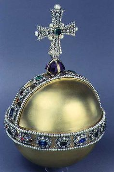 The Regal ORB dates to 1661 for the coronation of Charles II and is symbolic of a world ruled by Christianity. Now THIS is Royal History! British Crown Jewels, Royal Crown Jewels, Royal Crowns, Royal Tiaras, Royal Jewelry, Tiaras And Crowns, Gold Jewelry, Amethyst, Sapphire