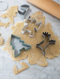 Set Christmas molds for cutting delicious, fun cookies and gingerbread. Colorful molds are made of metal with rounded edges and a sufficient thickness to easily cut in the dough festive pattern.  Baked, fragrant cookies you can decorate the Christmas tree or put them on the table, creating a magical festive mood.  styl skandynawski sklep https://www.whitehousedesign.pl/Foremki-do-ciasta-ciasteczek-GardenTrading