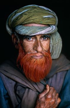 Portrait photography by Steve McCurry, Kashmir Steve Mccurry, Afghan Girl, Red Beard, Ginger Beard, Nice Beard, Many Faces, Ancient Aliens, World Cultures, Interesting Faces
