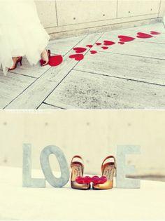 LOVE, trouwschoenen, hartjes