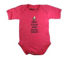 """""""Keep calm and Gugu Dada"""" Body estiloso para seu pequeno. Agora no site ! www.repipiu.com.br"""