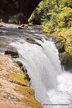 Lower Punchbowl Falls on Eagle Creek, Columbia River Gorge National Scenic Area, Oregon.  Photo: Gary Grossman via Flickr