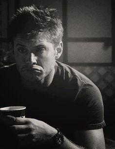 Dean Winchester ~ OMG, he looks like Grumpy Cat!! (google it!)