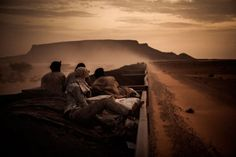 Sahara express by Rafaël Gultiérrez