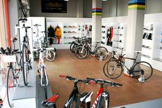 Runnbikes. Tienda de material deportivo. en El Vendrell.  Diseñado, fabricado y montado por ikaroa.es