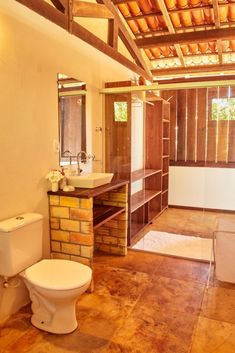 The bathroom at the Chalet has all you need. Hot water shower, toilet and towels of course.