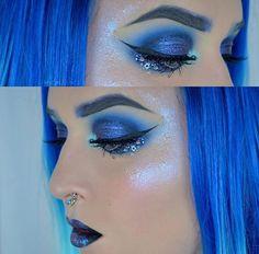 // Patrizia Conde Blue Eyeshadow Makeup, Eye Makeup, Music Festival Makeup, Fantasy Makeup, War Paint, Everyday Makeup, Makeup Looks, Halloween Face Makeup, Make Up