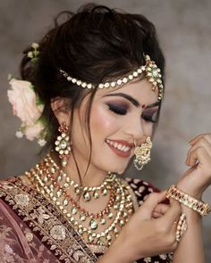 Hochzeit Brides who Nailed the 'Smokey Eye' Makeup Look & How you can too! Alpi , Brides who Nailed the 'Smokey Eye' Makeup Look & How you can too! [ Brides who Nailed the 'Smokey Eye' Makeup Look & How you can too! Indian Wedding Makeup, Indian Wedding Bride, Bridal Eye Makeup, Indian Bridal Outfits, Indian Wedding Hairstyles, Bridal Makeup Looks, Indian Bridal Fashion, Indian Weddings, Indian Eye Makeup