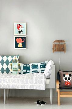 deco: robots en la habitación look at the pillows