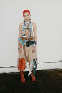 Vivienne Westwood Spring 2019 Ready-to-Wear Fashion Show Collection: See the complete Vivienne Westwood Spring 2019 Ready-to-Wear collection. Look 46 Grunge Style, Soft Grunge, Girl Japanese, Japanese Fashion, Tokyo Street Fashion, Le Happy, Mori Girl, Grunge Outfits, Doc Martens