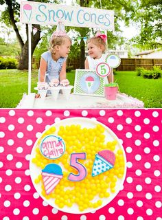 a sno cone themed party - maybe this should be my next birthday party! I love sno-cones!